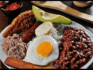 Bandeja Paisa de la gastronomía cafetera