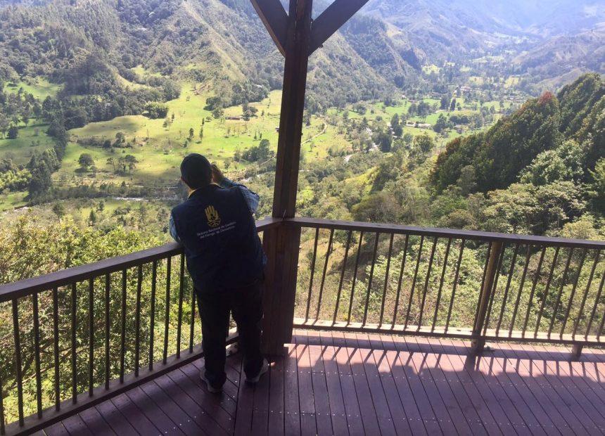 Vista panorámica del Valle de Cocora desde el mirador de Salento - Quindío