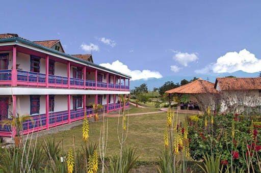 Hotel Arrayanes del Quindio muy cerca al parque del cafe